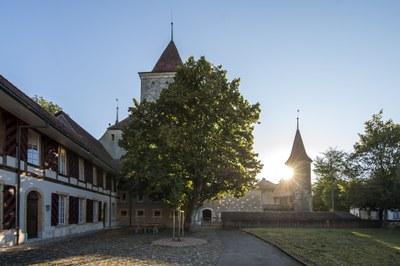 Der Tag erwacht beim Schloss